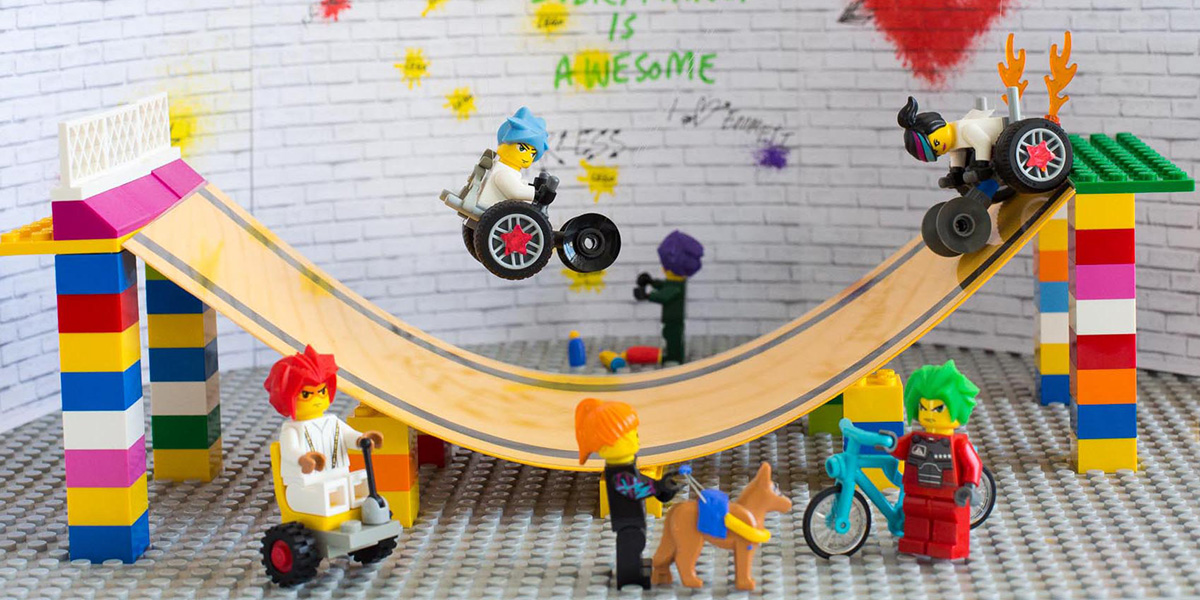 1200x600_Lego3