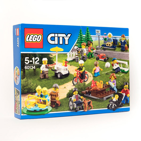 Lego City Fun in the Park box. Picture on the box shows a range of Lego mini-figures in a park setting, including a wheelchair user